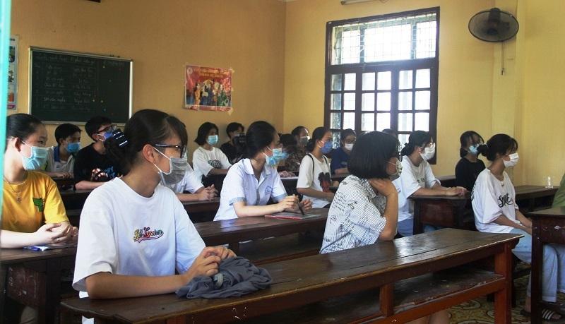 Điểm chuẩn vào lớp 10 THPT tỉnh Thanh Hóa dự kiến tăng: Phụ huynh, học sinh thấp thỏm - ảnh 1