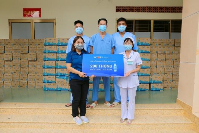 Satori tiếp sức tuyến đầu với gần 50.000 chai nước tương đương 200 triệu đồng - ảnh 6