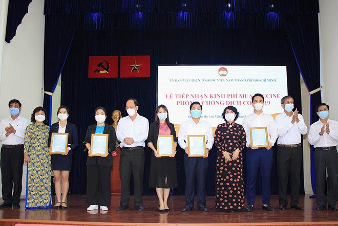 Traveloka hưởng ứng ủng hộ quỹ vắc xin phòng chống covid-19 - ảnh 1