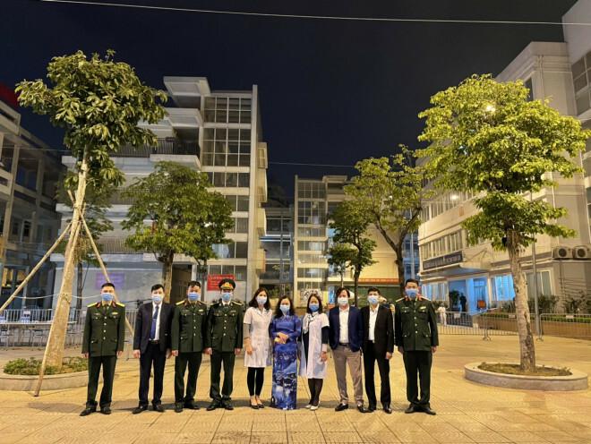 """Những chuyện chưa kể về ngôi trường đầu tiên ở Hà Nội trở thành """"pháo đài"""" cách ly do có học sinh dương tính với SARS-CoV-2 - ảnh 7"""