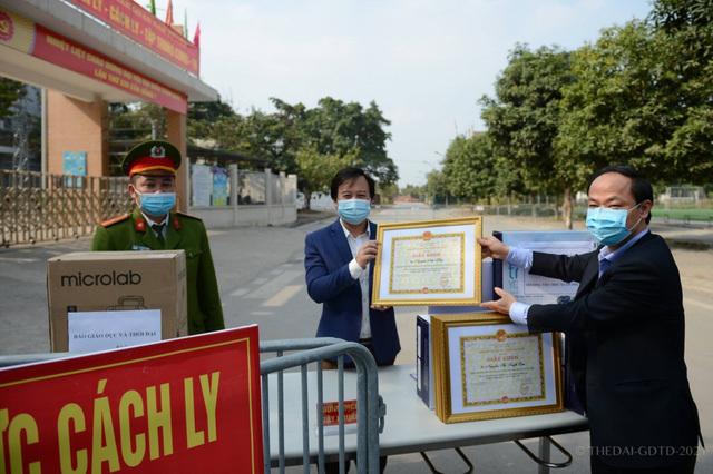"""Những chuyện chưa kể về ngôi trường đầu tiên ở Hà Nội trở thành """"pháo đài"""" cách ly do có học sinh dương tính với SARS-CoV-2 - ảnh 8"""