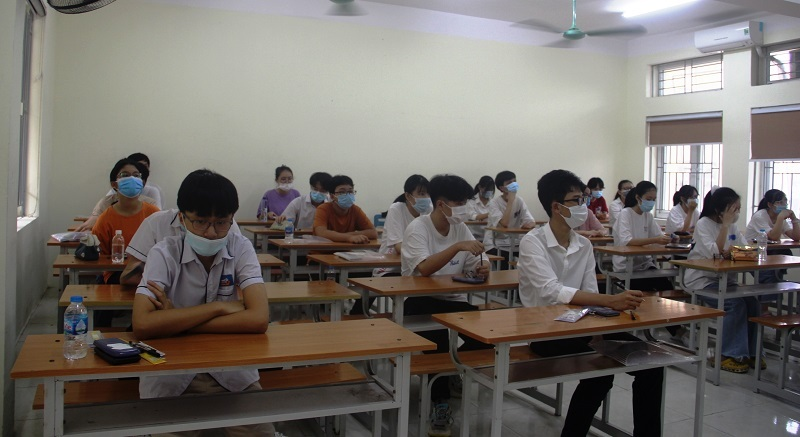 Điểm chuẩn vào lớp 10 THPT tỉnh Thanh Hóa dự kiến tăng: Phụ huynh, học sinh thấp thỏm - ảnh 2