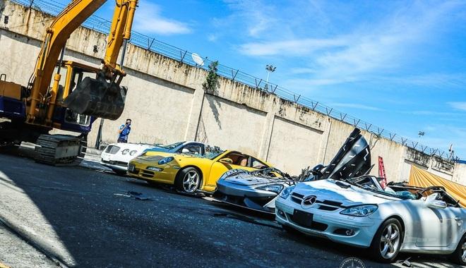 Xem Hải quan Philippines nghiền nát hàng chục xe sang nhập khẩu - ảnh 3