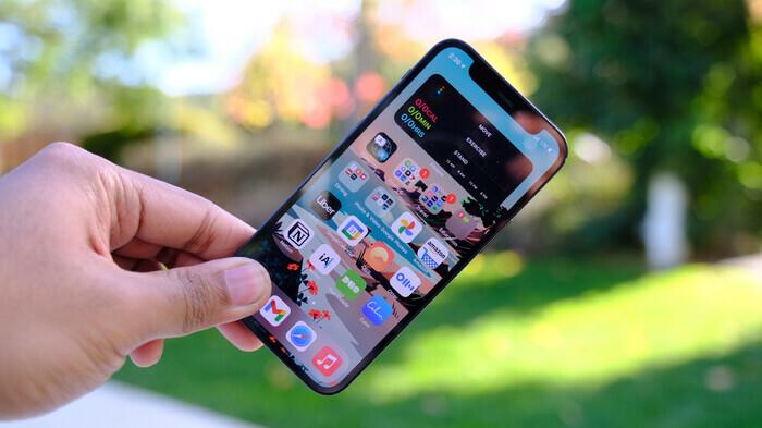 Pin iPhone 12 mini có thực sự yếu, không nên mua? - ảnh 1