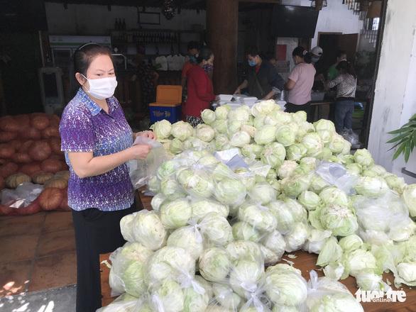 Thương sao cái ''tủ lạnh cộng đồng'' ở Sài Gòn - ảnh 4