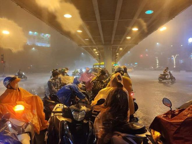 Hà Nội: Trận mưa lớn
