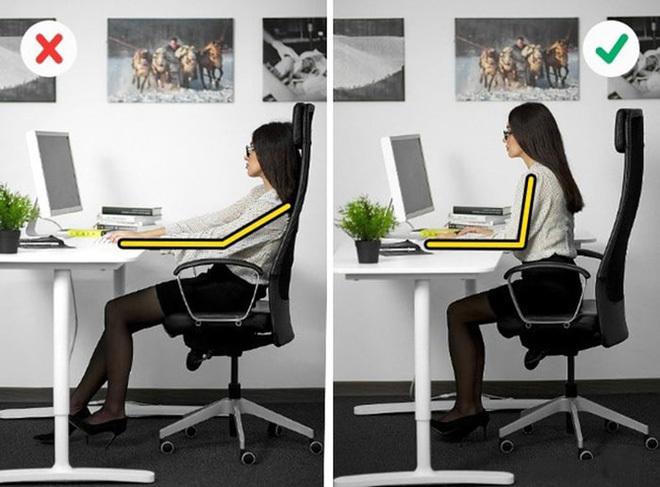 Cách chữa đau lưng do ngồi máy tính nhiều, đơn giản dễ thực hiện tại nhà - ảnh 2
