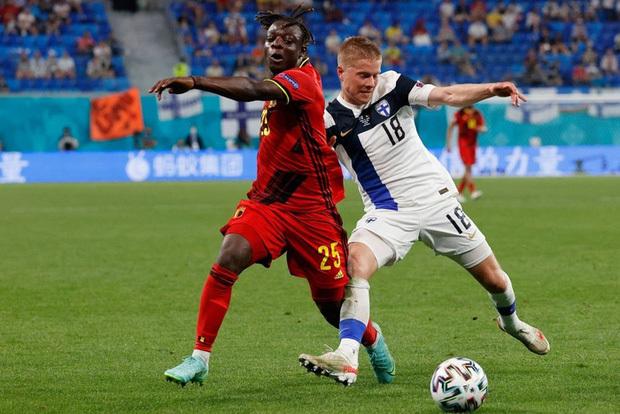 Thắng nhẹ nhàng 2-0 trước Phần Lan, tuyển Bỉ hiên ngang bước vào vòng 1/8 với 3 trận toàn thắng - ảnh 2