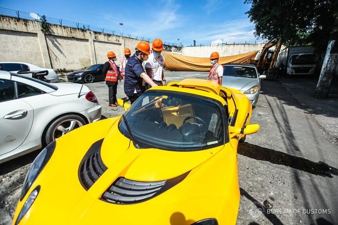 Xem Hải quan Philippines nghiền nát hàng chục xe sang nhập khẩu - ảnh 2