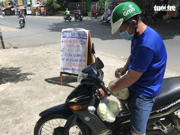 Thương sao cái ''tủ lạnh cộng đồng'' ở Sài Gòn - ảnh 6