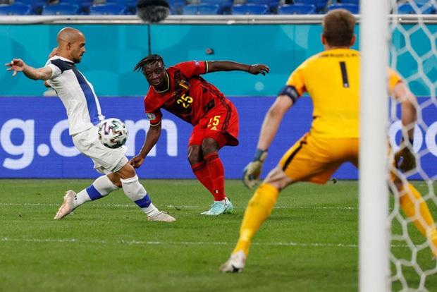 Thắng nhẹ nhàng 2-0 trước Phần Lan, tuyển Bỉ hiên ngang bước vào vòng 1/8 với 3 trận toàn thắng - ảnh 5