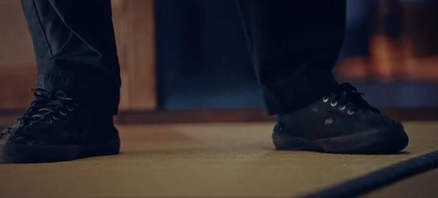 5 chi tiết ẩn dụ đắt giá của Penthouse: Thâm sâu từ đôi giày rách đến cả hình ảnh phản chiếu - ảnh 3