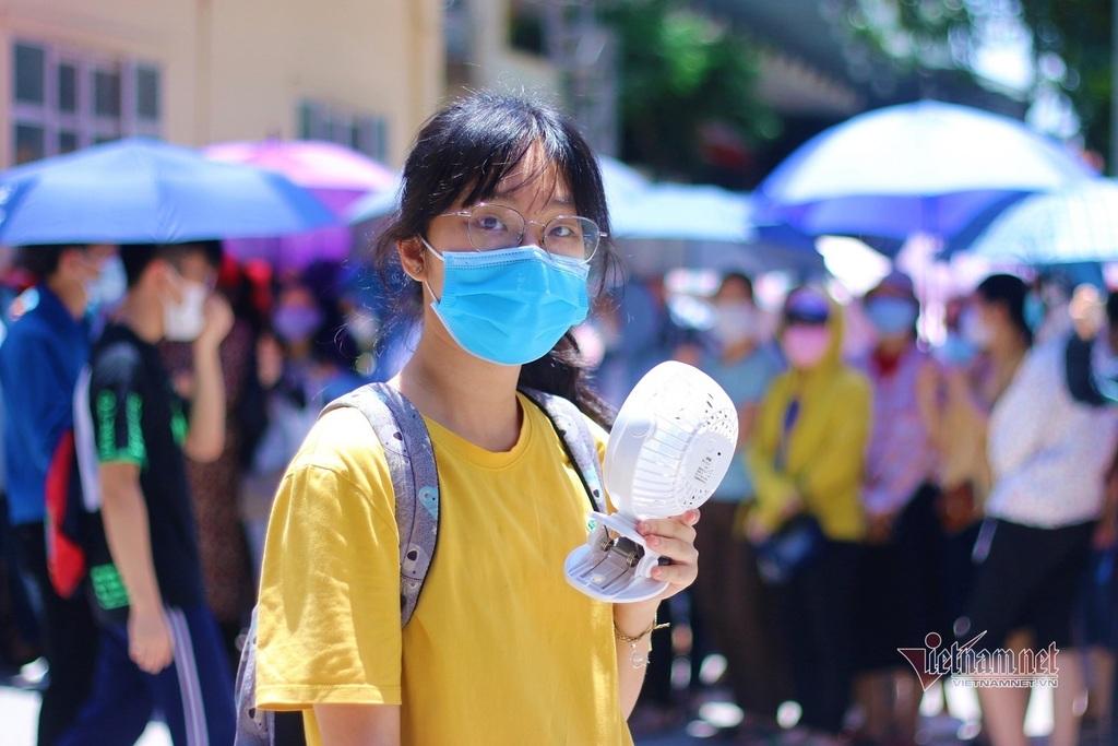 Điểm chuẩn vào lớp 10 THPT tỉnh Thanh Hóa dự kiến tăng: Phụ huynh, học sinh thấp thỏm - ảnh 3