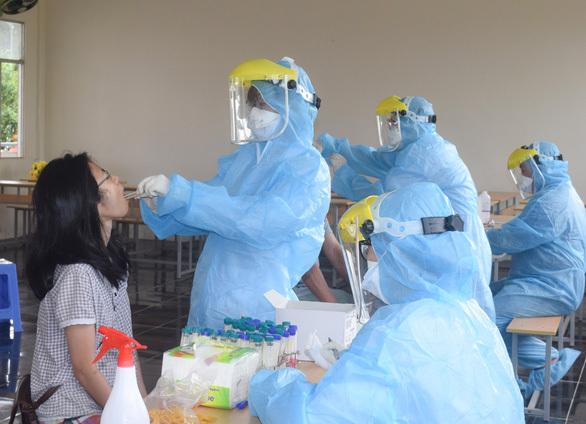 Nam sinh viên xét nghiệm ở Cần Thơ dương tính, qua Viện Pasteur lại âm tính - ảnh 1