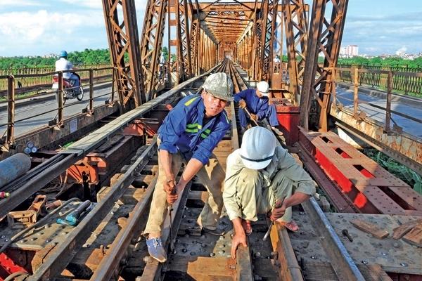 Tổng công ty Đường sắt đề nghị gói hỗ trợ khẩn cấp - ảnh 1