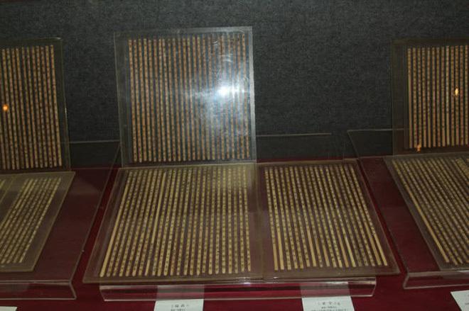 Báu vật thất truyền 2.400 năm được khai quật từ mộ cổ khiến thế giới ''thất kinh'' vì thay đổi cả lịch sử - ảnh 3