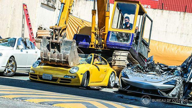 Đau lòng nhìn McLaren 620R mới tinh bị nghiền nát vì nhập lậu - ảnh 9