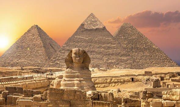 Tuyên bố gây sốc về kho báu của hoàng đế Ai CậpởĐại kim tự tháp 4.500 năm tuổi - ảnh 2
