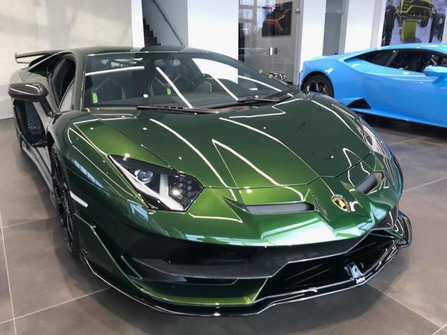 Đại gia lan Sài Gòn khoe Lamborghini Aventador SVJ màu độc nhất Việt Nam, bổ sung vào bộ sưu tập hàng loạt siêu xe khủng - ảnh 5