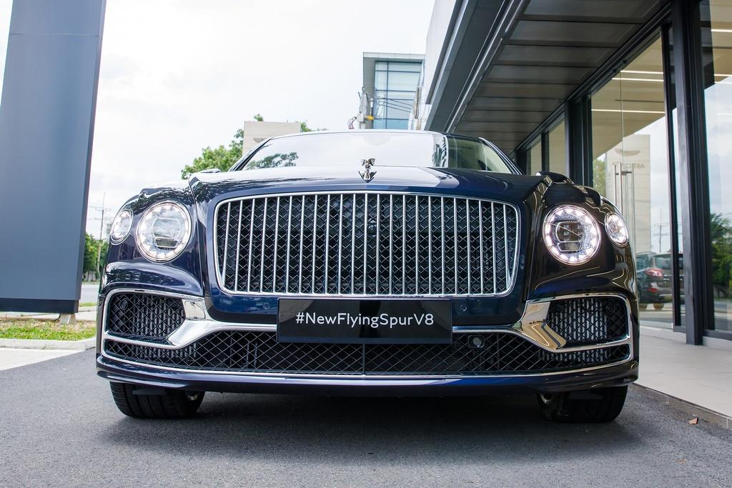 Bentley Flying Spur V8 2021 được ra mắt Việt Nam, giá từ 18 tỷ đồng - ảnh 2
