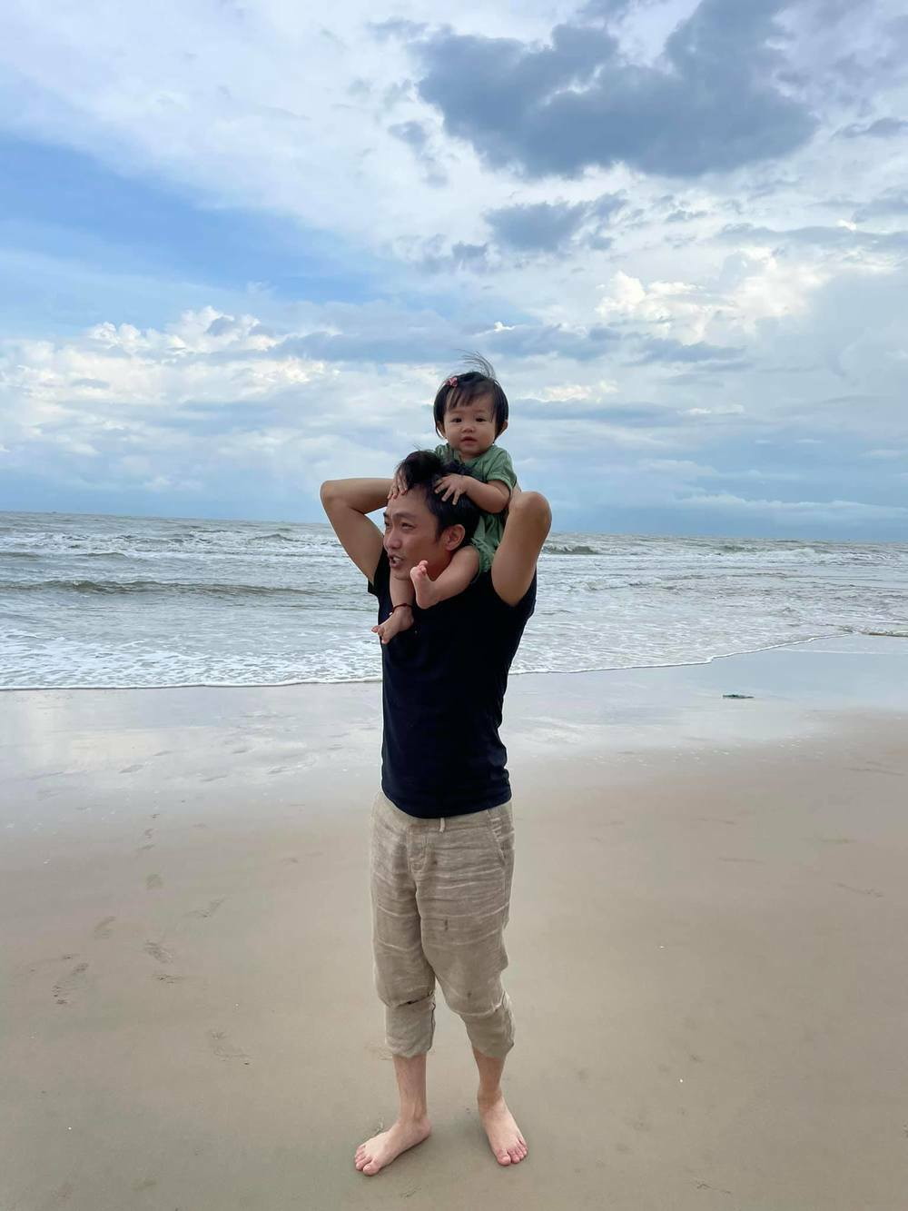 Cường Đô la khoe ảnh đi chơi biển: Subeo và Suchin giật spotlight - ảnh 1