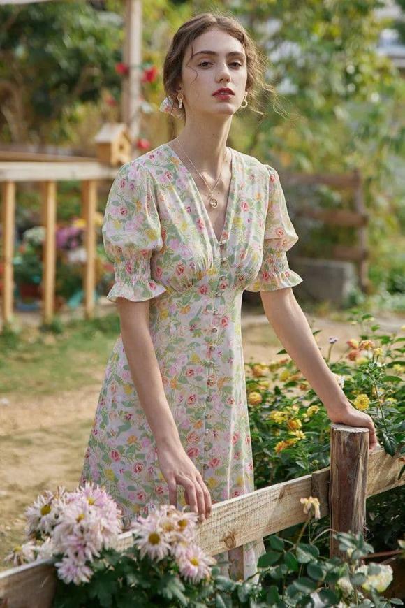 """""""Phong cách cao cấp kiểu Pháp"""" đang thịnh hành trong mùa hè này. Bất cứ ai cũng có thể mặc! - ảnh 5"""