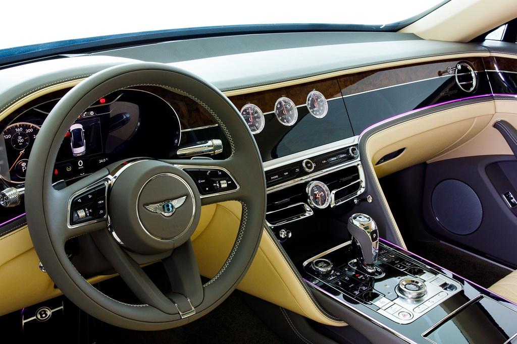 Bentley Flying Spur V8 2021 được ra mắt Việt Nam, giá từ 18 tỷ đồng - ảnh 3