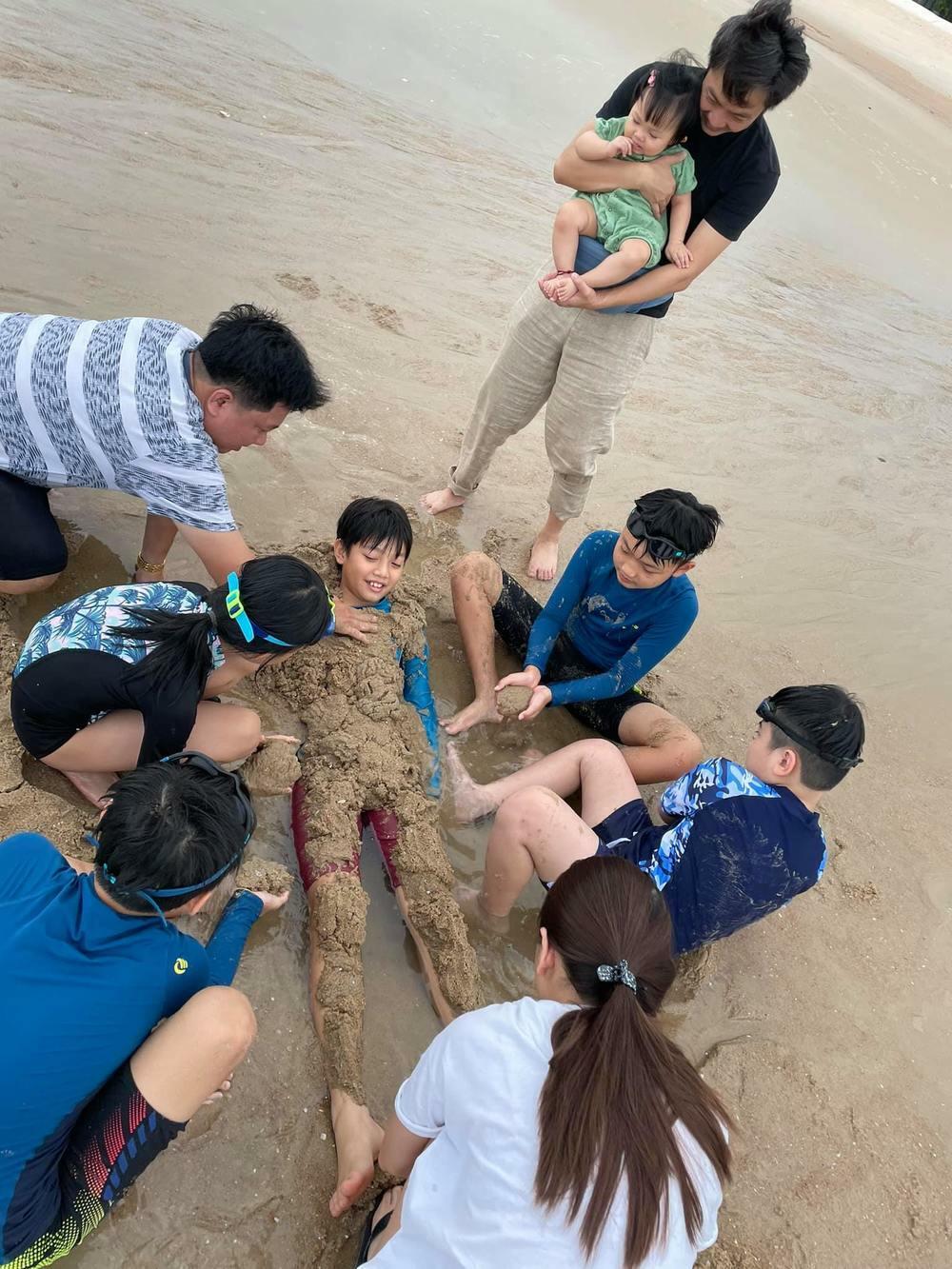 Cường Đô la khoe ảnh đi chơi biển: Subeo và Suchin giật spotlight - ảnh 3