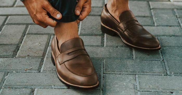 Nam giới có chiều cao khiêm tốn nên đi giày gì? - ảnh 1