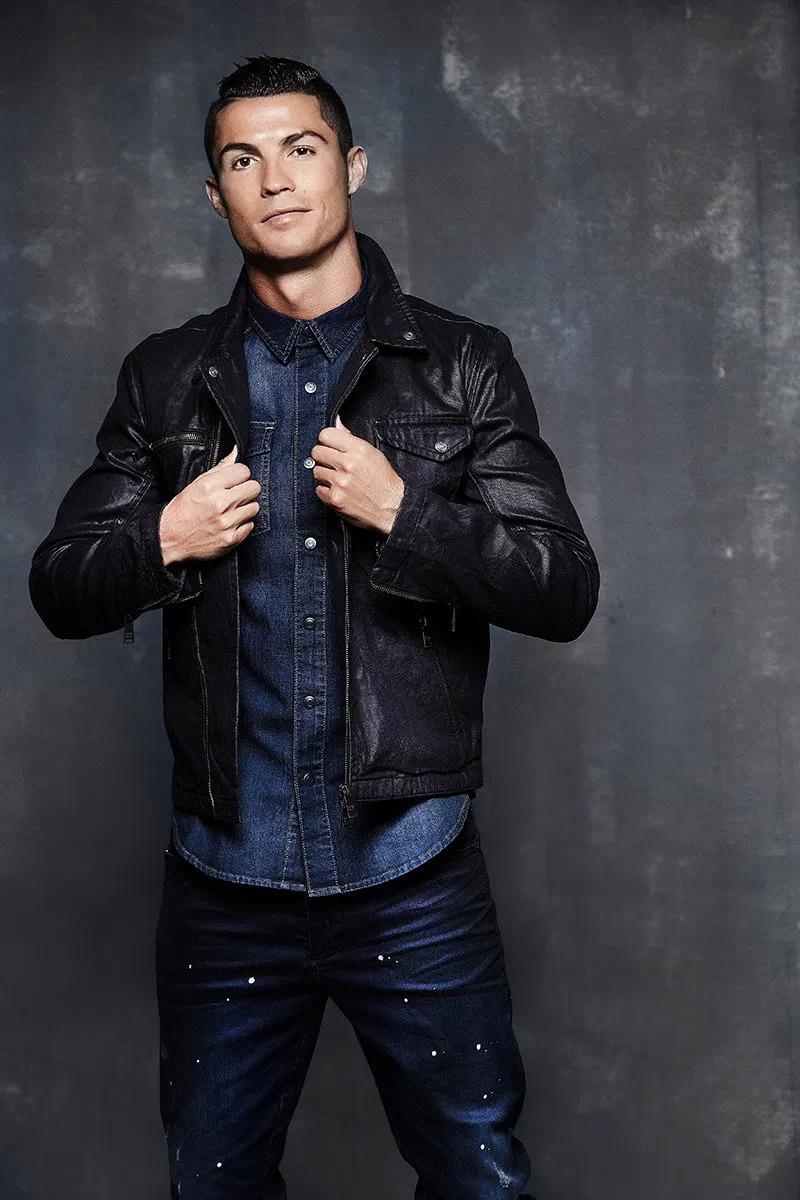 Ronaldo và dàn sao bóng đá gây ấn tượng khi làm người mẫu - ảnh 1