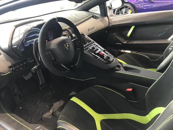 Đại gia lan Sài Gòn khoe Lamborghini Aventador SVJ màu độc nhất Việt Nam, bổ sung vào bộ sưu tập hàng loạt siêu xe khủng - ảnh 6