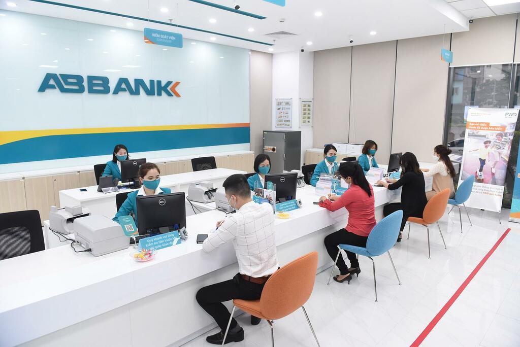 ABBank giảm lãi, tăng hạn mức cho vay hỗ trợ khách hàng doanh nghiệp - ảnh 1