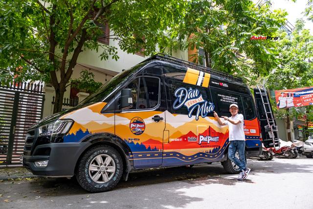 Thợ Việt độ Hyundai Solati thành nhà di động hết hơn 1,5 tỷ đồng: Có TV, bếp và công trình phụ, dùng điện mặt trời - ảnh 1