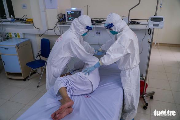 Bệnh nhân 17 tuổi mang thai 30 tuần mắc COVID-19 rất nặng đã qua nguy kịch - ảnh 1