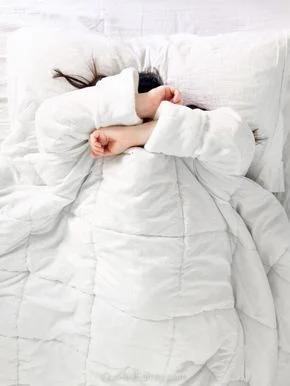 Nàng lười biếng nhưng vẫn muốn tập thể dục hãy thực hiện 3 bài tập đơn giản ngay trên giường - ảnh 7