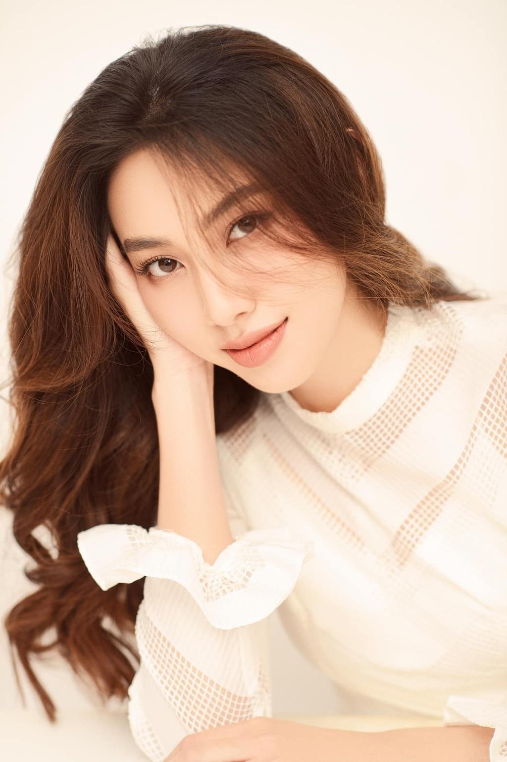 Vẻ nóng bỏng của Tiểu Vy, Đỗ Mỹ Linh... khi được đề cử thi Miss Grand International - ảnh 7