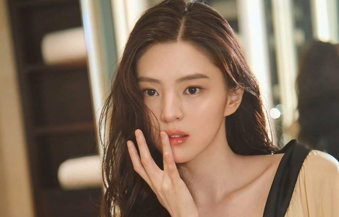 Bàng hoàng ngã ngửa vì bạn trai bệnh hoạn, Han So Hee được netizen khen nức nở ở Nevertheless - ảnh 6