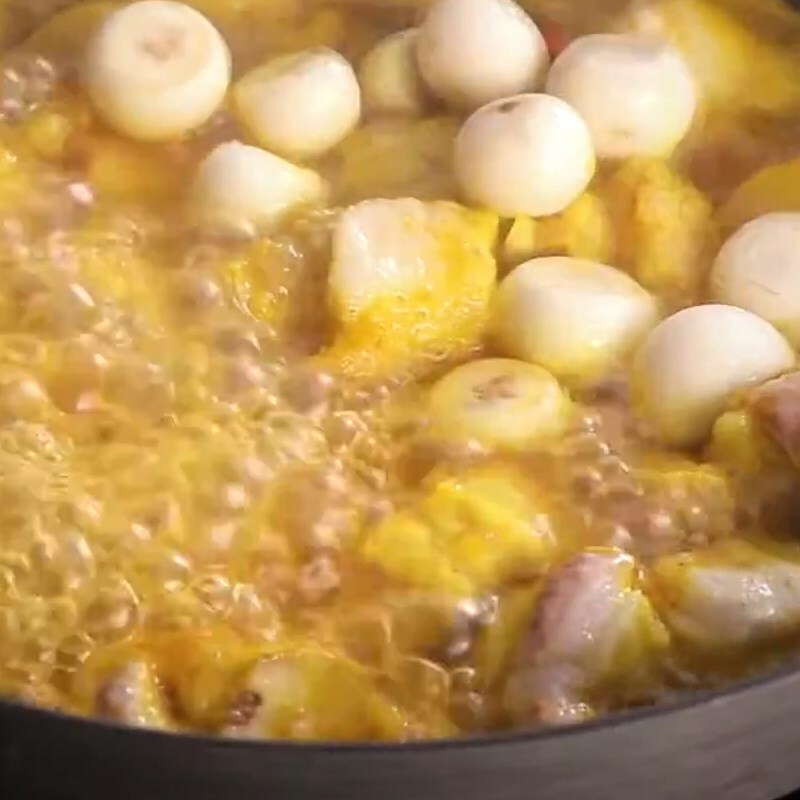 Cách làm thịt kho (om) cà pháo đậm vị ăn với cơm nóng ngày mưa cực mê - ảnh 10