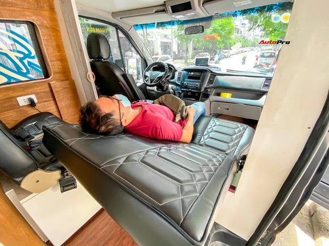 Thợ Việt độ Hyundai Solati thành nhà di động hết hơn 1,5 tỷ đồng: Có TV, bếp và công trình phụ, dùng điện mặt trời - ảnh 9