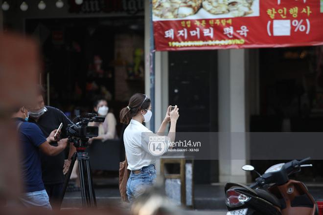 Thầy Park thò đầu qua ô cửa sổ, vẫy tay chào cảm ơn fan: Lại cute nữa rồi! - ảnh 5