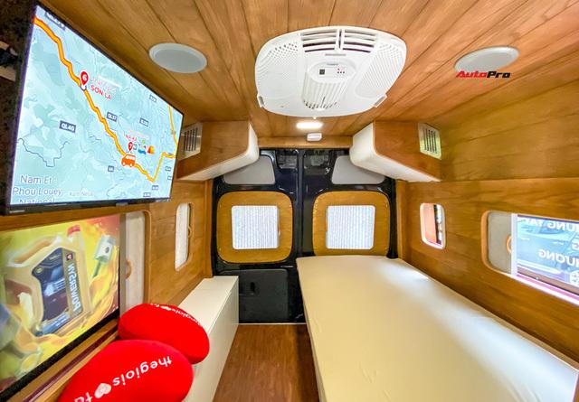 Thợ Việt độ Hyundai Solati thành nhà di động hết hơn 1,5 tỷ đồng: Có TV, bếp và công trình phụ, dùng điện mặt trời - ảnh 16