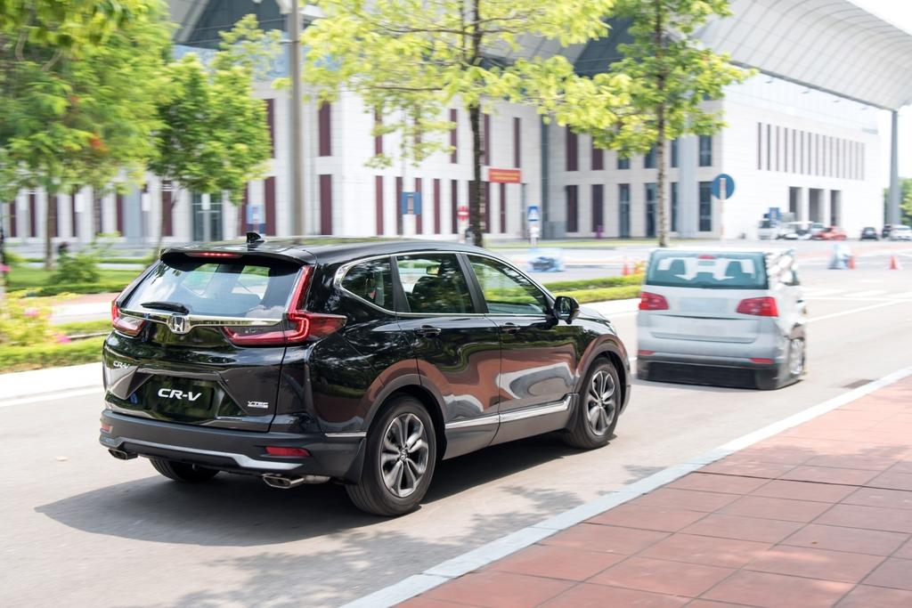 Honda CR-V giảm giá ''cực mạnh'' lên tới 160 triệu đồng - ảnh 3