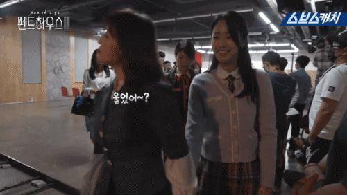 Hậu trường 'Penthouse 3′ tập 3: Han Ji Hyun 'mè nheo', Kim So Yeon bị Uhm Ki Joon 'cười vào mặt' vì tội diễn sâu - ảnh 7