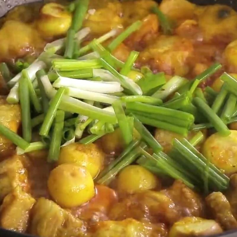 Cách làm thịt kho (om) cà pháo đậm vị ăn với cơm nóng ngày mưa cực mê - ảnh 11