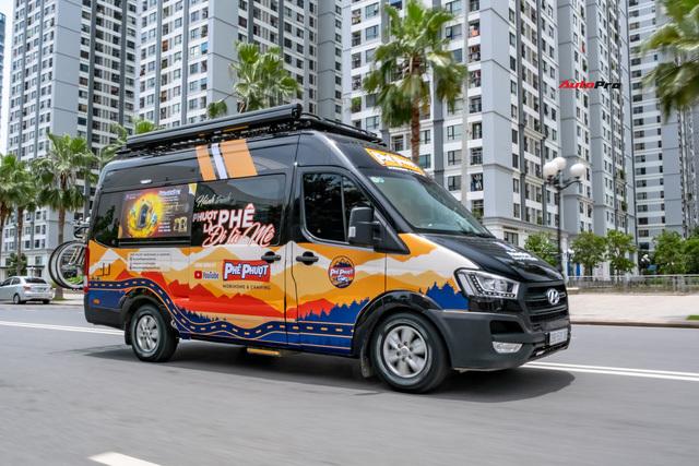 Thợ Việt độ Hyundai Solati thành nhà di động hết hơn 1,5 tỷ đồng: Có TV, bếp và công trình phụ, dùng điện mặt trời - ảnh 28