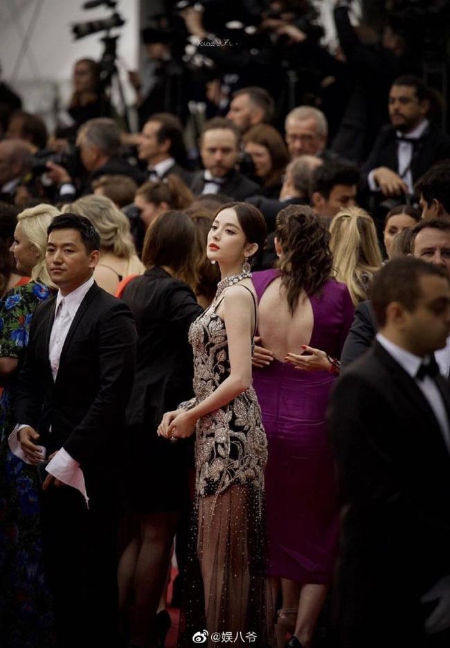 Triệu Lệ Dĩnh, Phạm Băng Băng cùng dàn mỹ nhân Hoa ngữ khi đứng giữa đám đông, ai nổi bật nhất? - ảnh 9