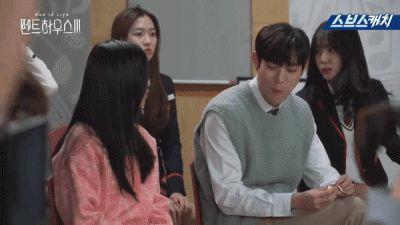 Hậu trường 'Penthouse 3′ tập 3: Han Ji Hyun 'mè nheo', Kim So Yeon bị Uhm Ki Joon 'cười vào mặt' vì tội diễn sâu - ảnh 8