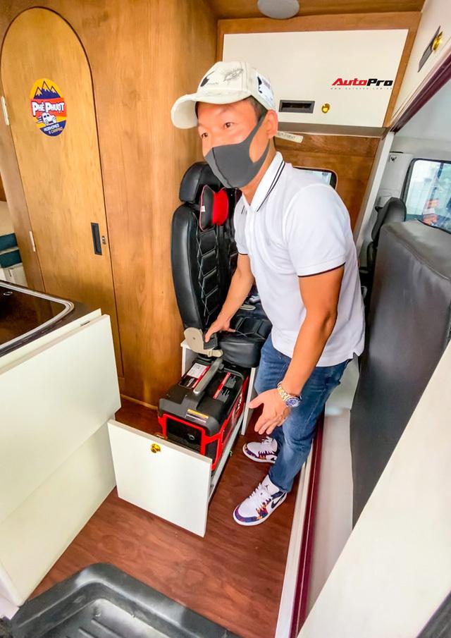 Thợ Việt độ Hyundai Solati thành nhà di động hết hơn 1,5 tỷ đồng: Có TV, bếp và công trình phụ, dùng điện mặt trời - ảnh 25