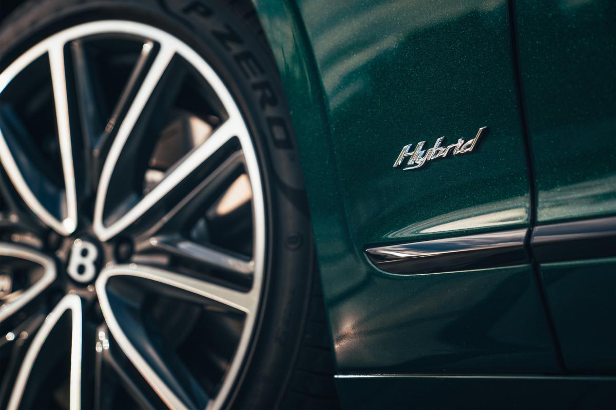 Bentley ra mắt Flying Spur Hybrid siêu tiết kiệm nhiên liệu - ảnh 6