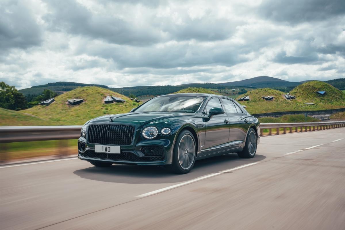 Bentley ra mắt Flying Spur Hybrid siêu tiết kiệm nhiên liệu - ảnh 3